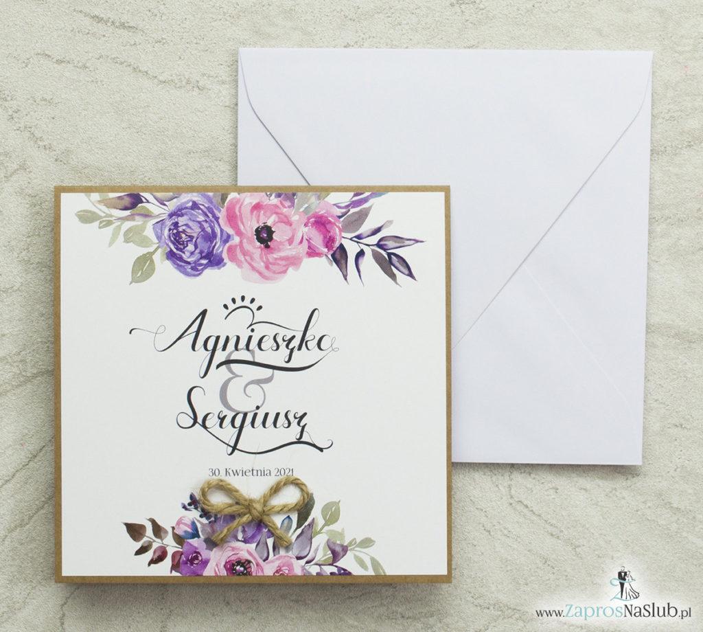 kwiatowe-zaproszenia-ślubne-eko-fioletowe-i-różowe-kwiaty-nowoczesna-czcionka-modny-wzór-wklejane-wnętrze-biała-koperta-sznurek-jutowy