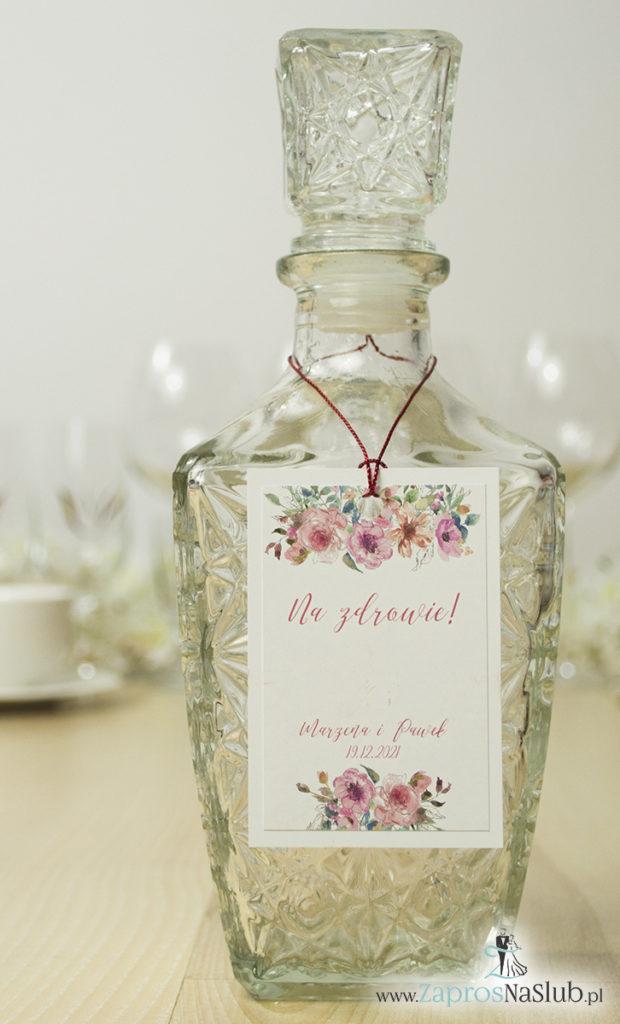 kwiatowe-zawieszki-na-alkohol-z-konturami-kwiatów-różowymi-różami-czerwonym-sznurkiem-metalizowanym