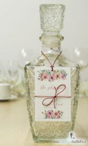 modne-kwiatowe-zawieszki-na-alkohol-z-konturami-róż-różowo-białe-czerwoa-kokardka-ze-sznurka-metalizowanego