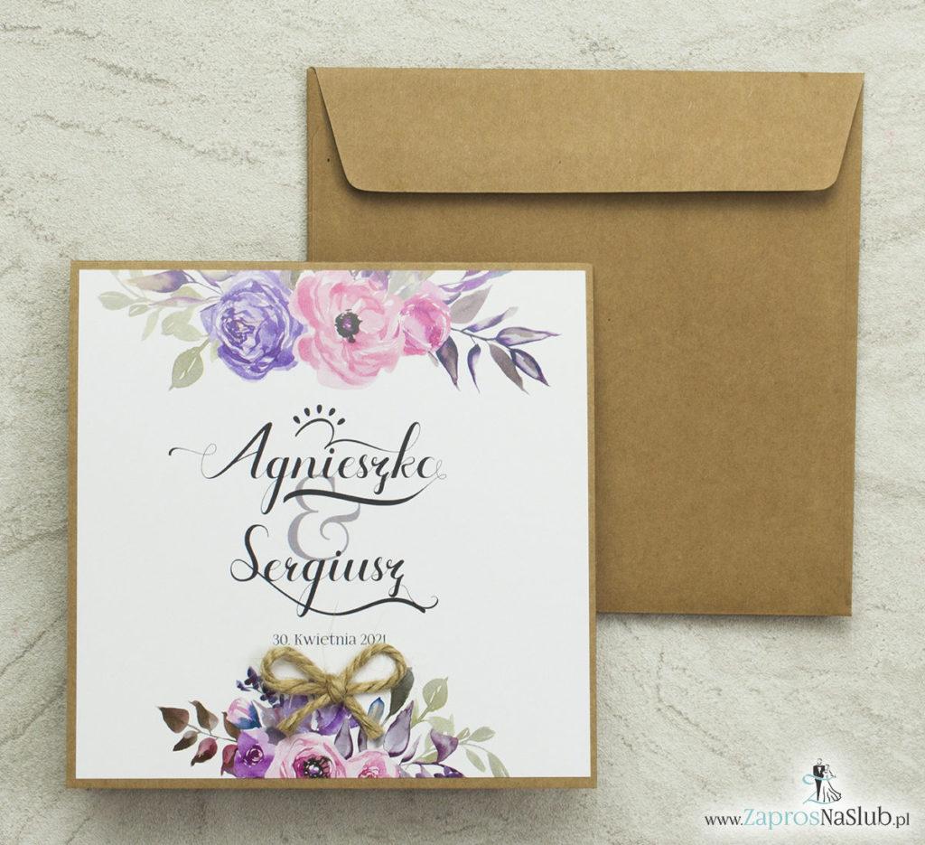 modne-zaproszenia-ślubne-eko-z-nowoczesną-czcionką-ozdobną-fioletowe-kwiaty-różowe-róże-wklejane-wnętrze-koperta-eko
