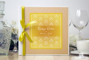 Bardzo elegancka księga gości z żółto-białą dekoracją, brzoskwiniowym perłowym papierem ksg10022-12