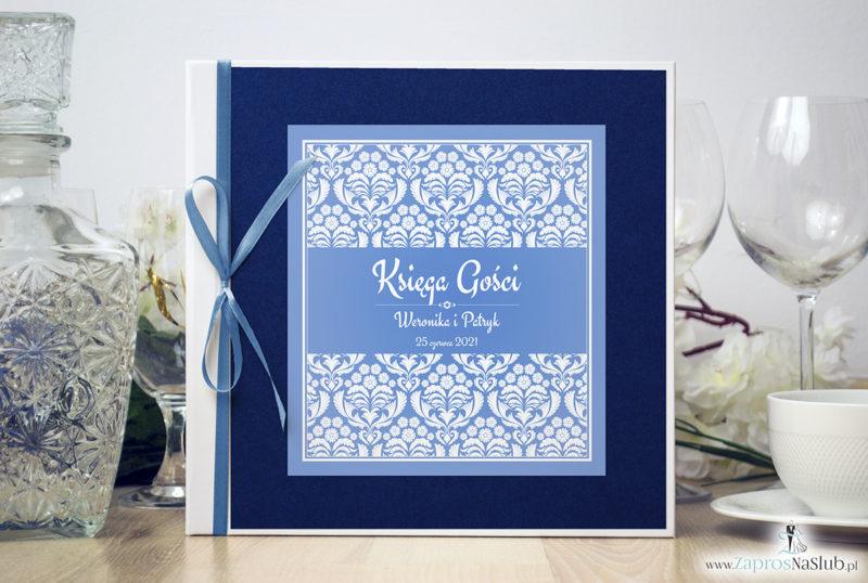 Bardzo elegancka księga gości z błękitno-białym ornamentem florystycznym, niebieskim papierem perłowym ksg10017-6