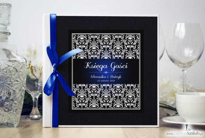 Bardzo elegancka księga gości z czarno-białym eleganckim damaskiem z błękitna poświatą, czarnym papierem perłowym ksg10020-12