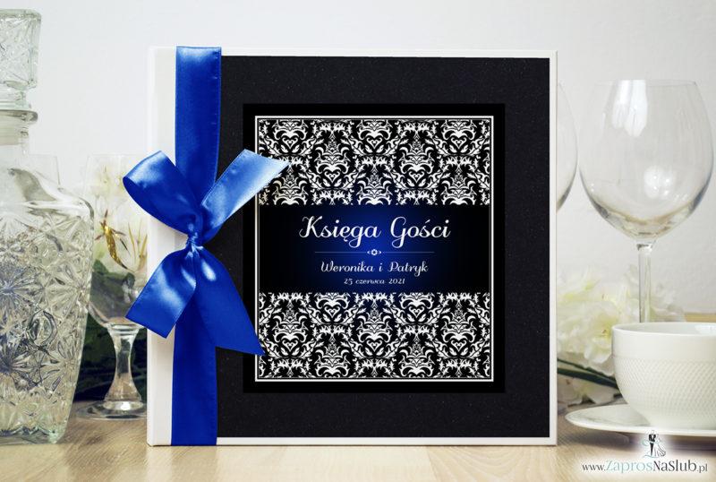 Bardzo elegancka księga gości z czarno-białym eleganckim damaskiem z błękitna poświatą, czarnym papierem perłowym ksg10020-25