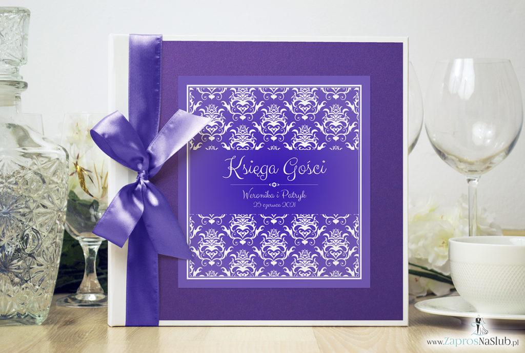 Bardzo elegancka księga gości z fioletowo-białym ozdobnym damaskiem, fioletowym papierem perłowym ksg10021-25
