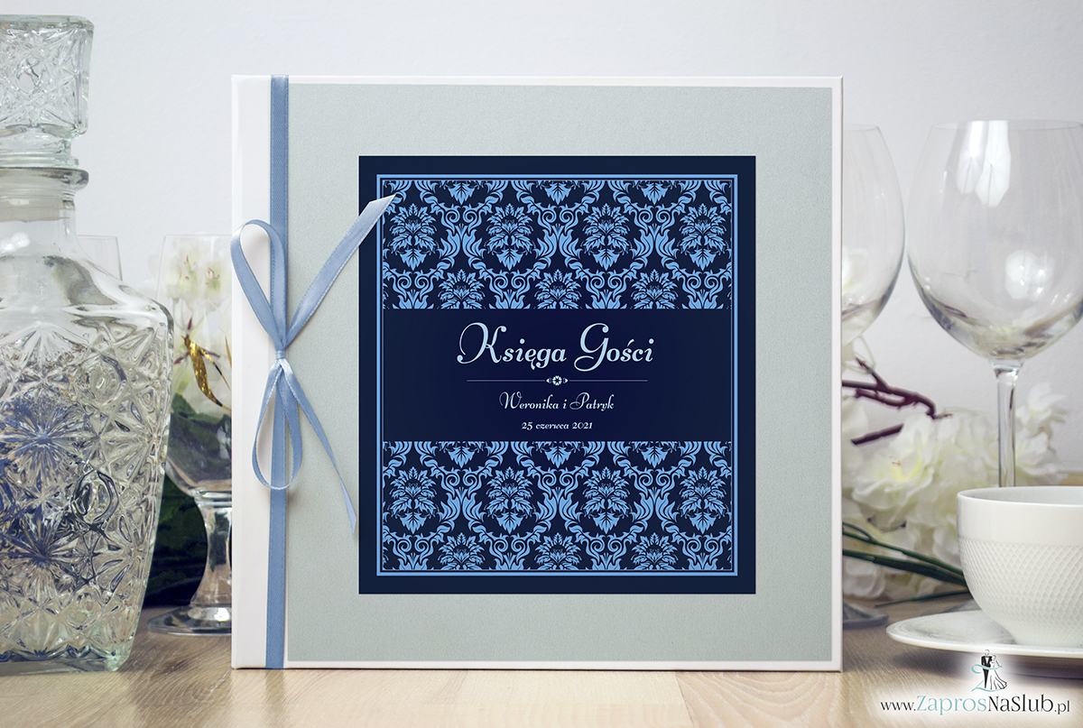 Bardzo elegancka księga gości z niebieskim motywem barokowym, błękitnym papierem perłowym. KSG-10011