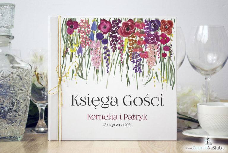 Księga gości weselnych z polnymi kwiatami i zieloną trawą oraz złotym sznurkiem metalizowanym. KSG-10006 - ZaprosNaSlub