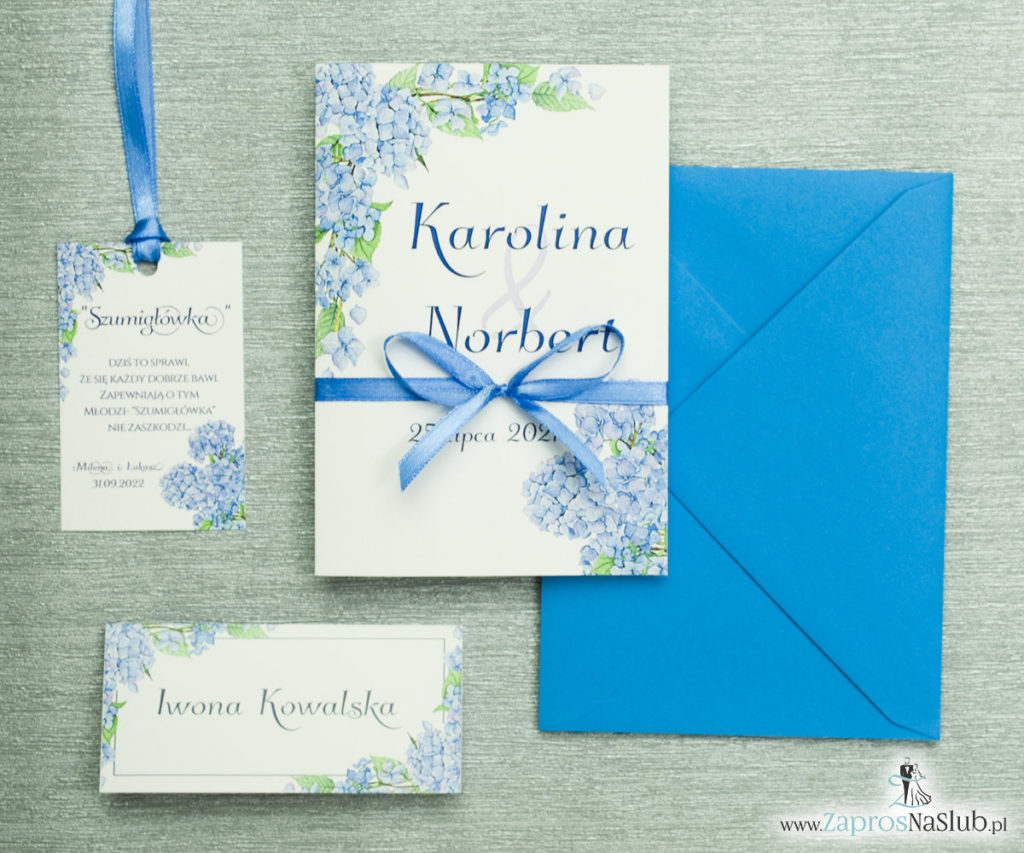 ZAP-35-06 Kwiatowe zaproszenia ślubne z niebieską hortensją winietka zawieszka komplet
