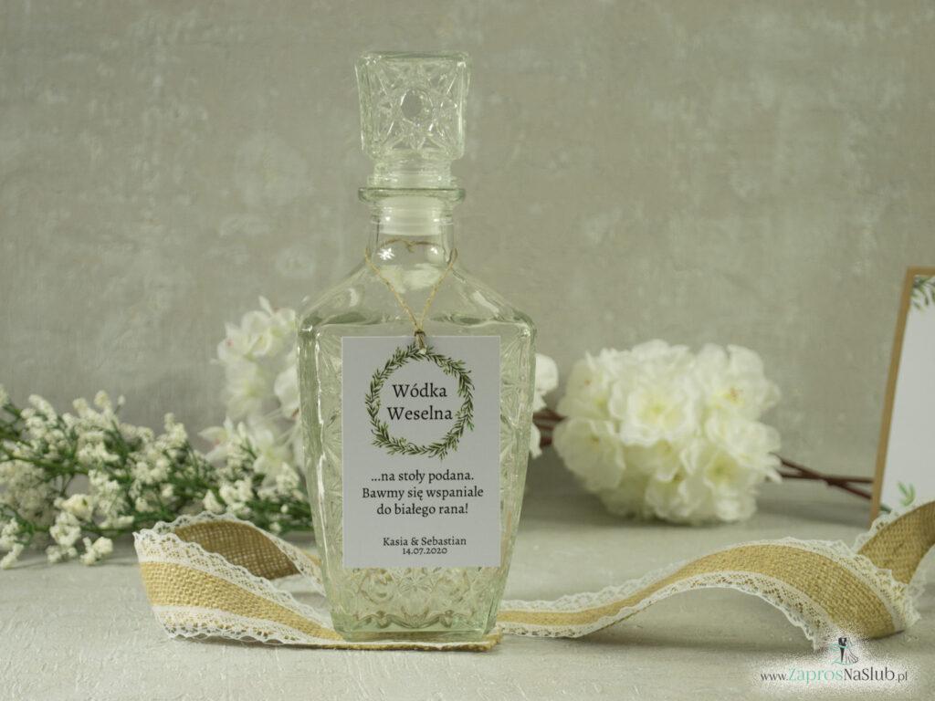 Zawieszka na butelkę w stylu rustykalnym z wiankiem z zielonych liści ZAW-111-2