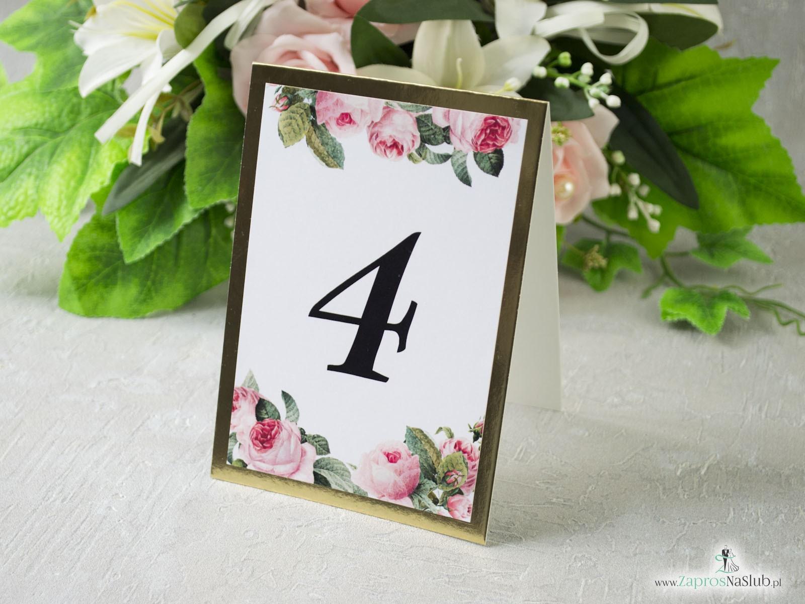 Numer na stół na złotym papierze z efektem lustra, motywem kwiatów róży oraz zielonych liści. NNS-110-1 - Zaproszenia ślubne ZaprosNaSlub
