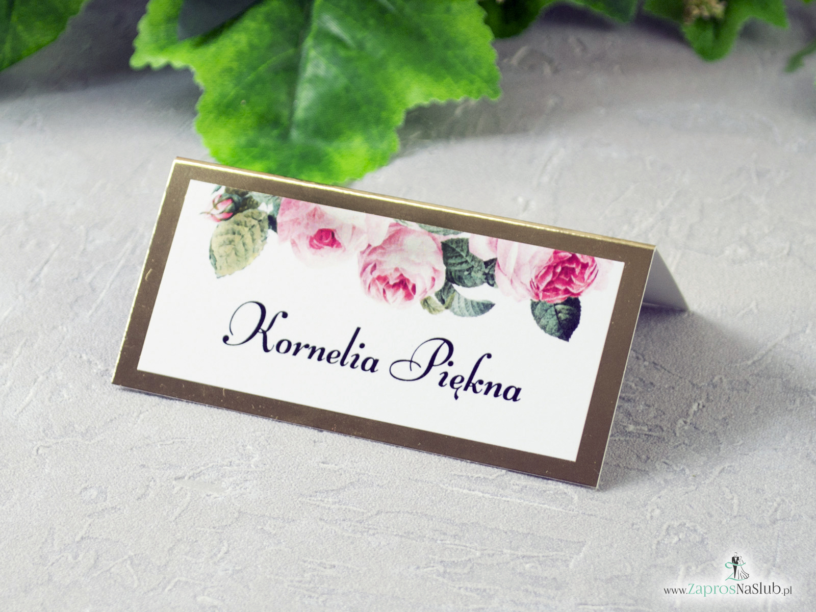 Winietka ślubna na stół na złotym papierze z efektem lustra, motywem kwiatów róży oraz zielonych liści WIN-110-1 - Zaproszenia ślubne ZaprosNaSlub