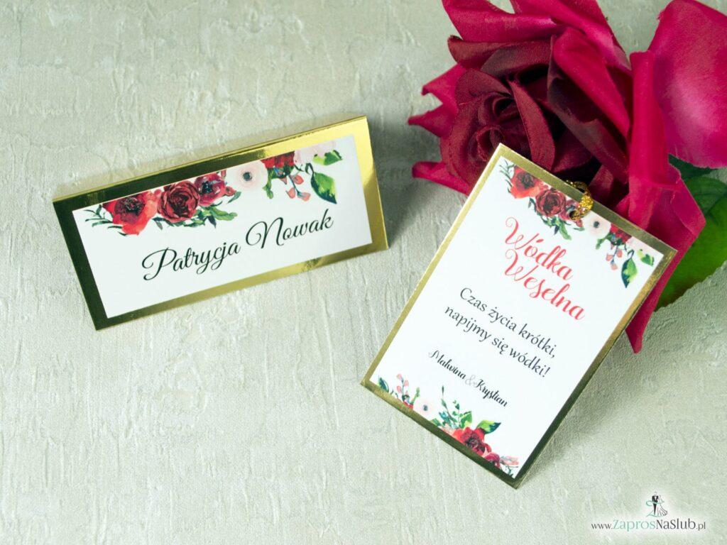 Winietki na stół oraz zawieszki na alkohol z kwiatami czerwonych róż na złotym papierze z efektem lustra ZAP-114-min