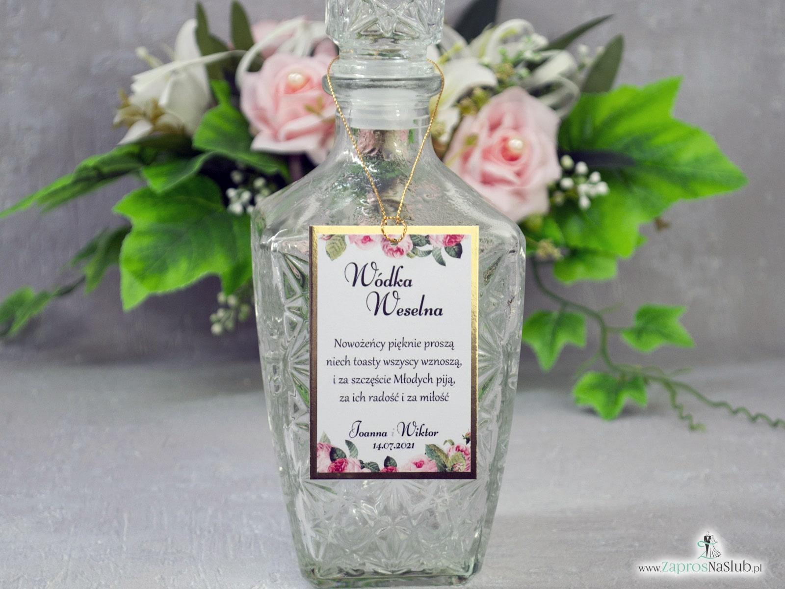 Eleganckie zawieszki na alkohol z motywem kwiatów róży z zielonymi liśćmi na złotym papierze z efektem lustra. ZAW-110-1