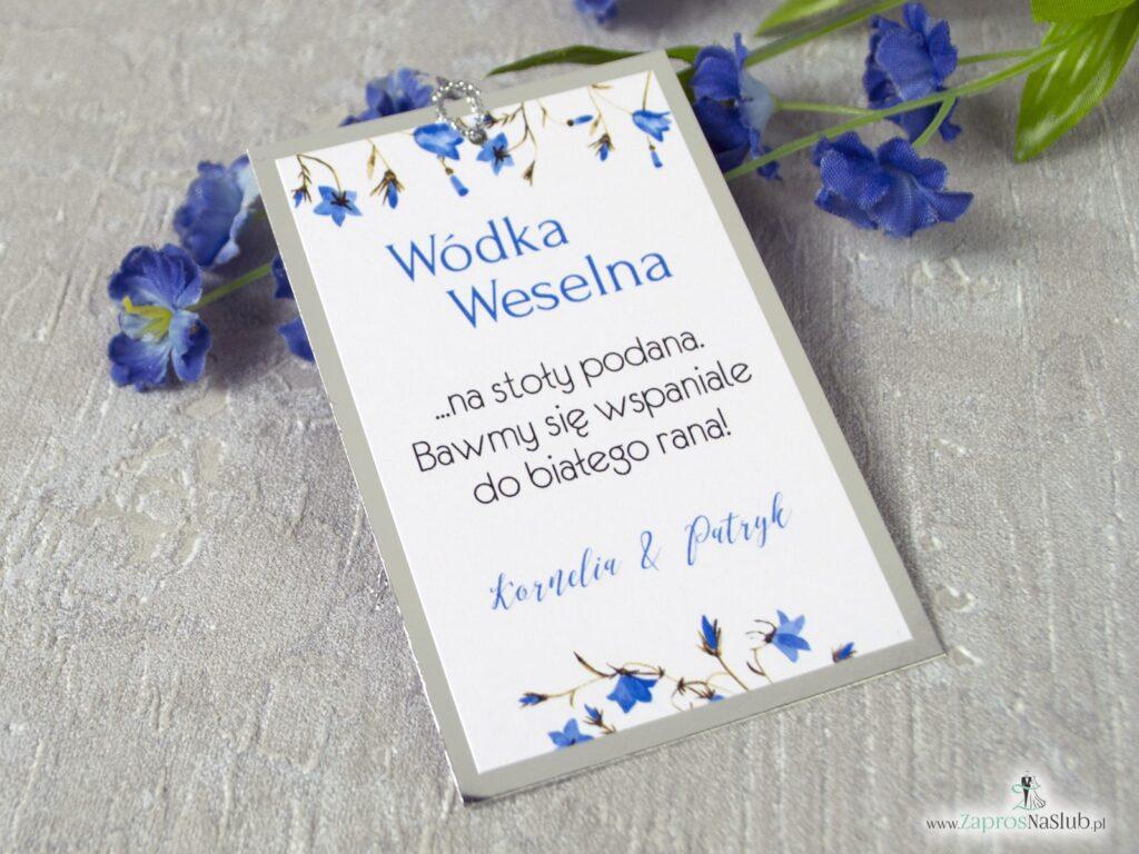 Zawieszka na wódkę na srebrnym papierze z efektem lustra i kwiatami dzwonków, kwiatow zawieszka na alkohol, ślub ZAW-124-1-min