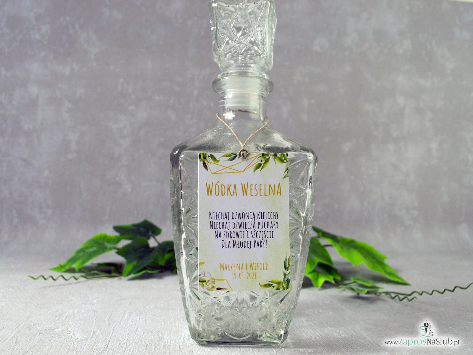 Geometryczna zawieszka na alkohol z motywem zielonych liści w stylu rustykalnym. ZAW-41-01