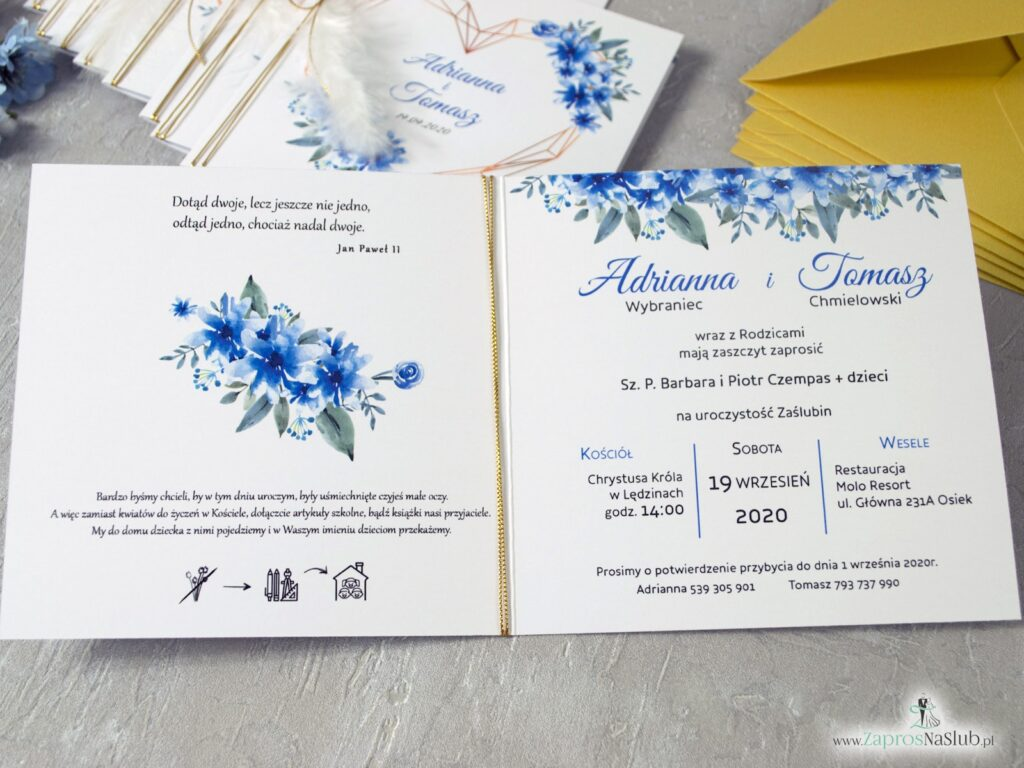 Ślubne zaproszenia w stylu geometrycznym z piórkiem i niebieskimi kwiatami ZAP-41-22