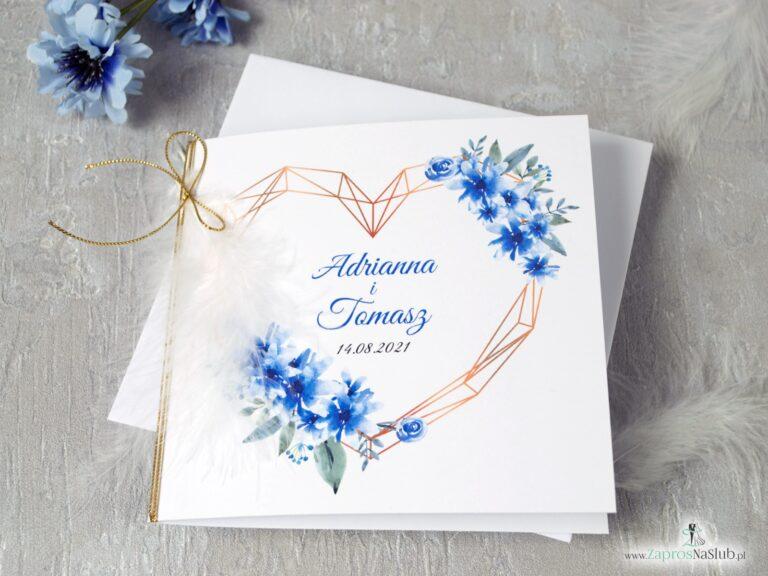 Geometryczne zaproszenia ślubne z sercem, białym piórkiem i niebieskimi kwiatami. ZAP-41-22 - ZaprosNaSlub