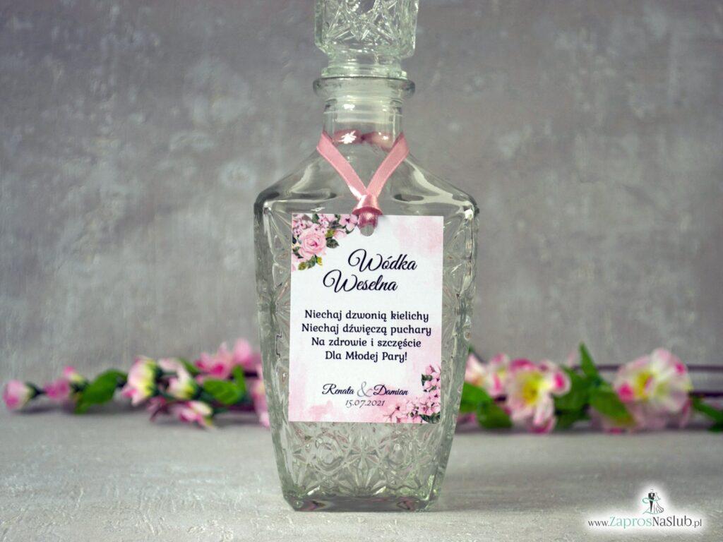 Zawieszka na wódkę różowa, z kwiatami i tłem, delikatne modne zawieszki na alkohol ZAW-41-23-min