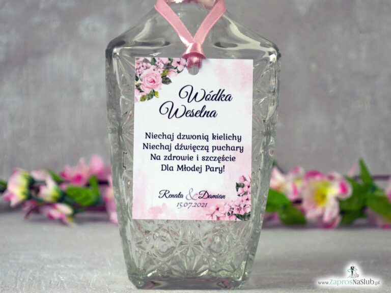 Zawieszka na alkohol z różowymi kwiatami i delikatnym tłem. ZAW-41-23 - ZaprosNaSlub