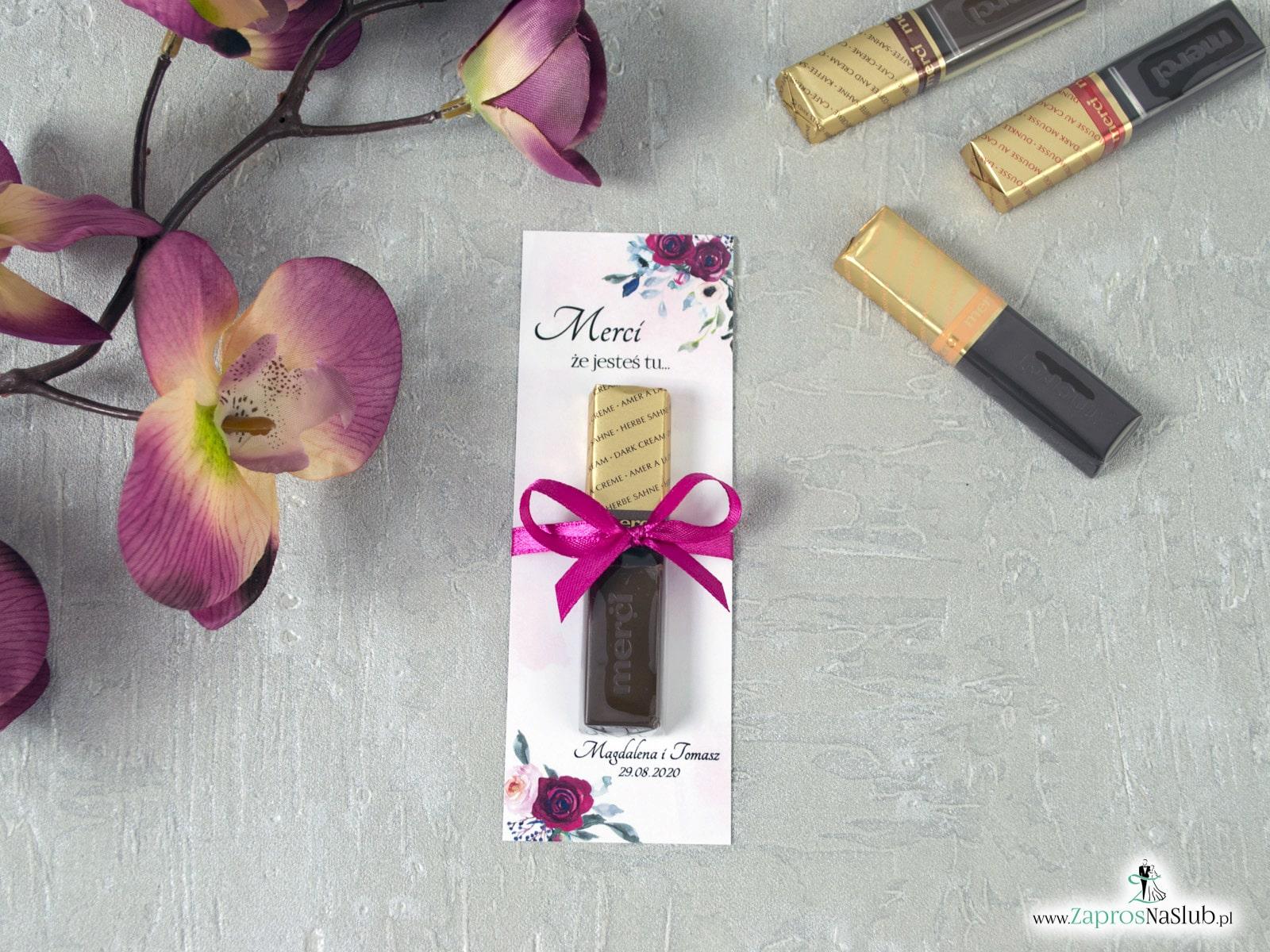 Podziękowanie dla gości weselnych w formie podkładki pod Merci z kwiatami róży. MER-41-06