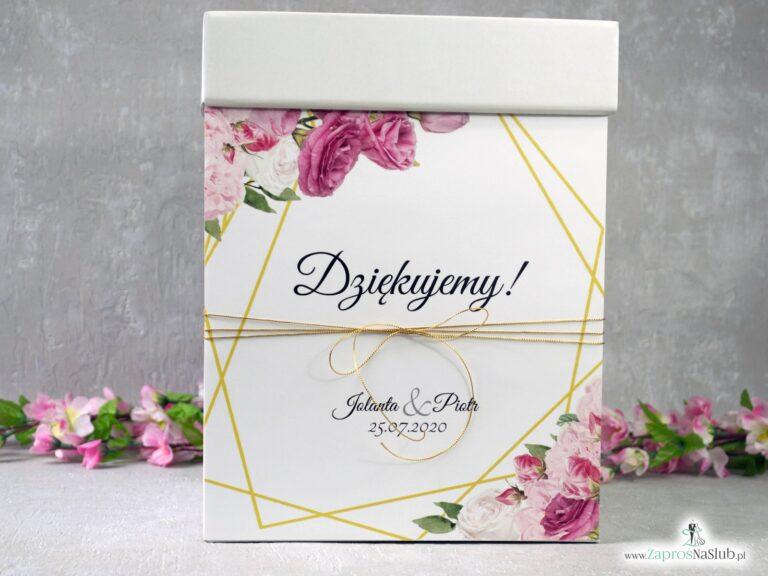 Pudełko na koperty z różowymi kwiatami w różnych odcieniach oraz złotymi liniami PNK-131
