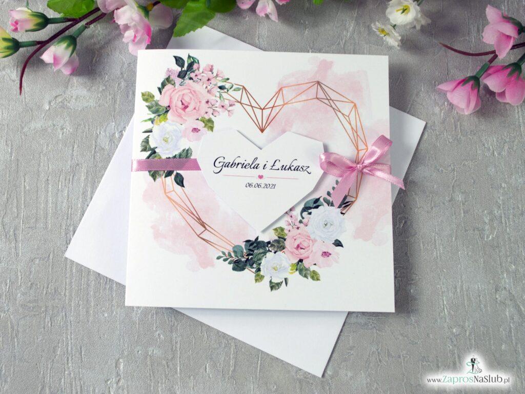 Zaproszenia ślubne z delikatnymi kwiatami w odcieniach różu i bieli, serce geometryczne ZAP-41-12-min