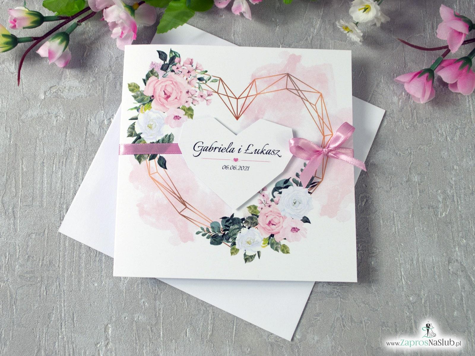Zaproszenia ślubne z kwiatami w delikatnych odcieniach różu i bieli oraz geometrycznym sercem. ZAP-41-12