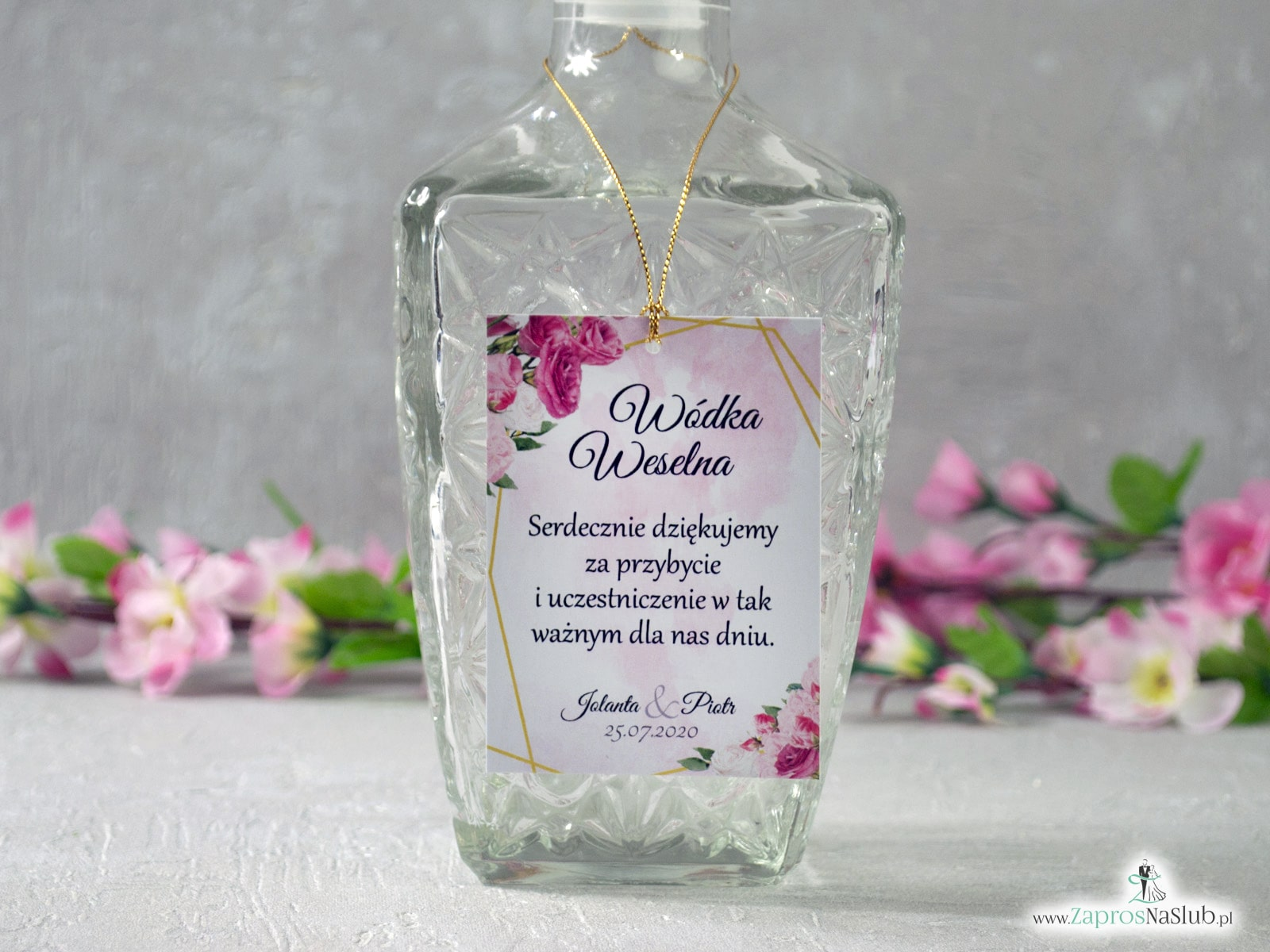 Zawieszka na alkohol z różowymi kwiatami i złotymi liniami, geometryczna. ZAW-131  - Zaproszenia ślubne ZaprosNaSlub