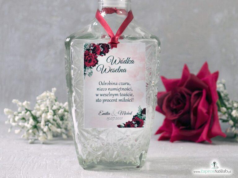 Zawieszka na alkohol z czerwonymi różami i delikatnym tłem. ZAW-41-09 - ZaprosNaSlub