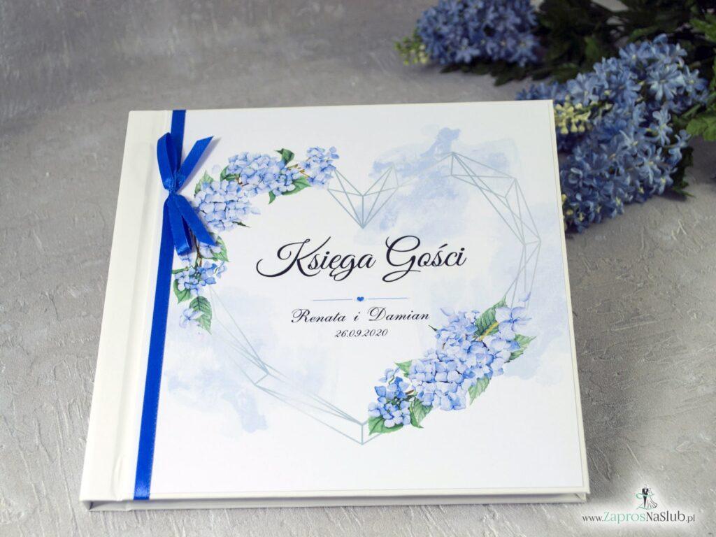 Księga gości z niebieskimi kwiatami hortensje, geometryczne serce, niebieska wstążka KSG-41-11