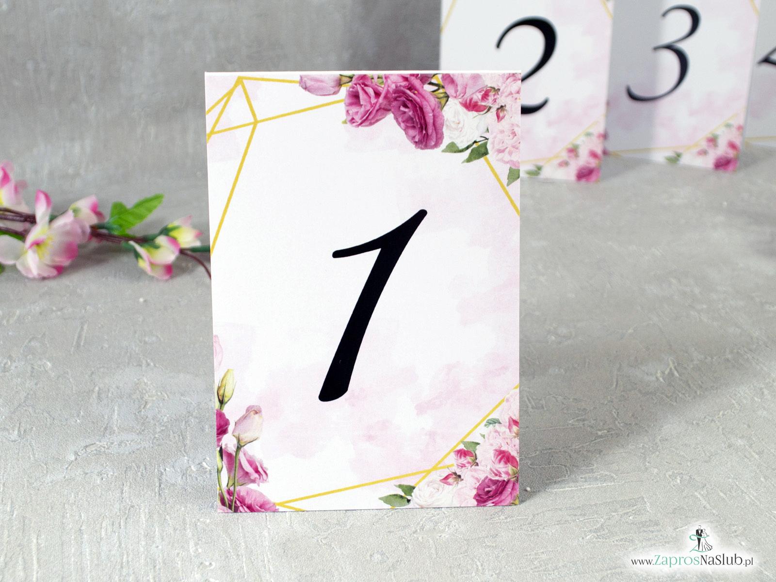 Numer stołu z różowymi kwiatami i złotymi liniami. NNS-132