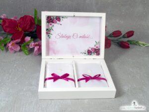Drewniane pudełko, szkatułka na obrączki z piwoniami i geometrycznym sercem PNO-41-08