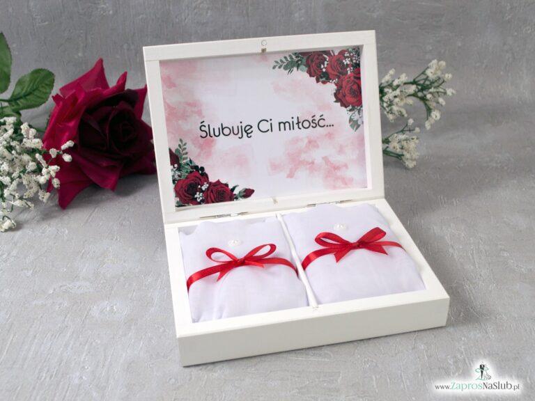 Drewniane pudełko na obrączki z czerwonymi różami i geometrycznym sercem PNO-41-09