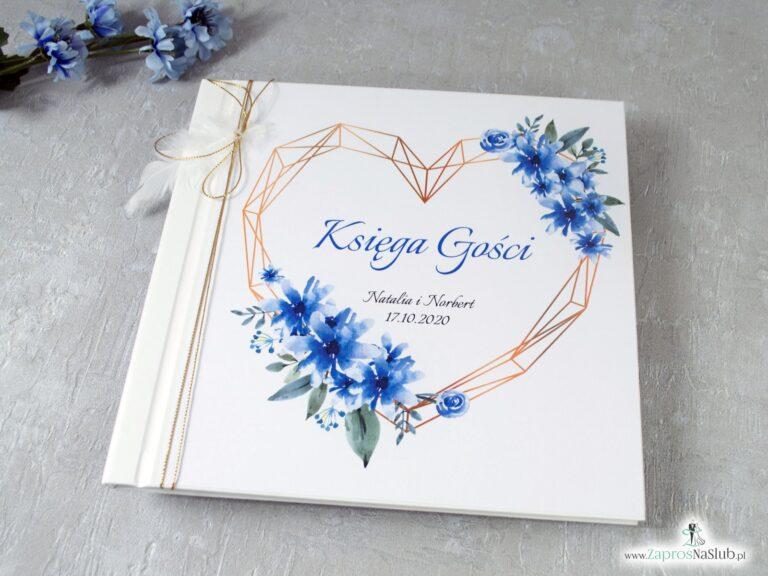 Księga gości z niebieskimi kwiatami i geometrycznym sercem oraz piórkiem KSG-41-22 - ZaprosNaSlub
