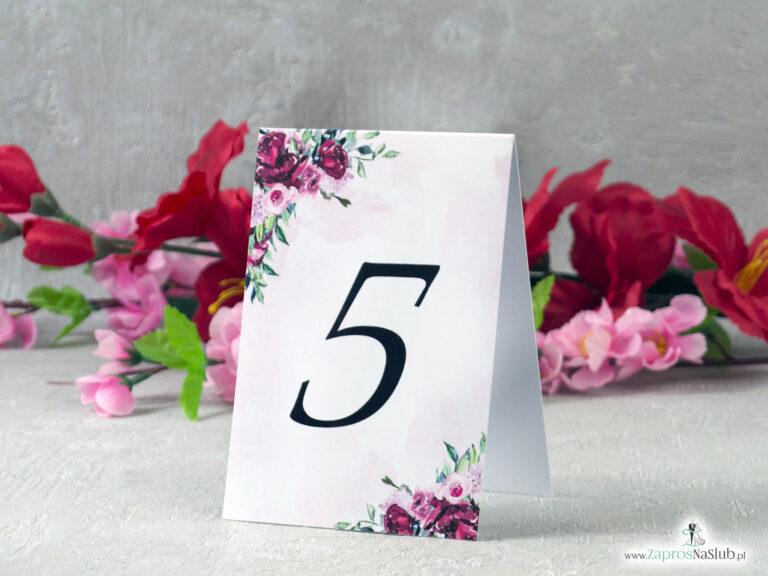 Numer stołu z kwiatami piwonii i delikatnym tłem NNS-41-08 - ZaprosNaSlub