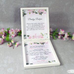 Prośba o błogosławieństwo drewniana szkatułka z białymi i różowymi kwiatami POB-41-12