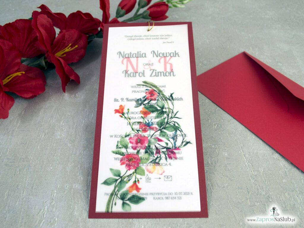 Bordowe zaproszenia ślubne z kalką i czerwonymi kwiatami ZAP-138-3