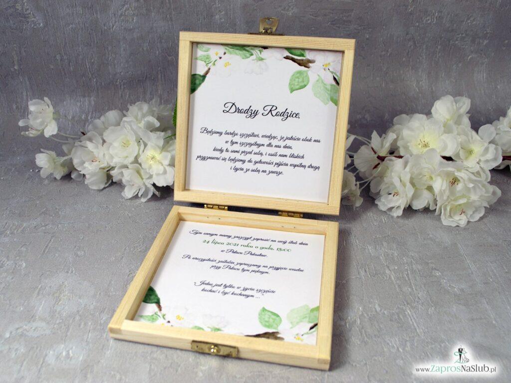 Zaproszenie dla rodziców z białymi kwiatami wiśni w szkatułce POB-76-19