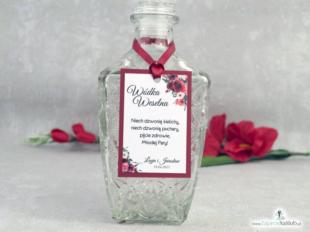 Zawieszka na alkohol z bordowymi kwiatami na bordowym papierze ZAW-140